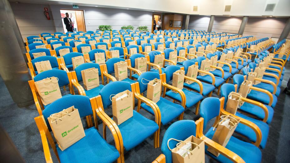 e-Gro launch and 50th Anniv PL, anniversary, seat, present, bag, grodan, presentation
